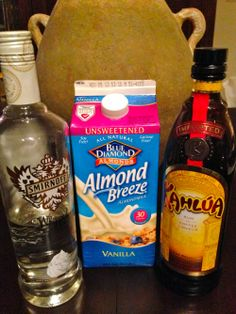 Almond Milk White Russian cuts the calories in HALF! Party Drinks, Cocktail Drinks, Fun Drinks, Yummy Drinks, Cocktail Recipes, Drink Recipes, Mixed Drinks, Cocktails, Party Recipes