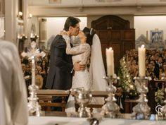 Casamento dos queridos Mariana & Fabio -Cerimonial by @Sylvia Queiroz - Fotos @Cacá Rodrigues - Video @Vinicius Credidio - Cerimônia clássica na igreja e festa em tons de rosa e verde: casamento dos sonhos de Mariana & Fabio!