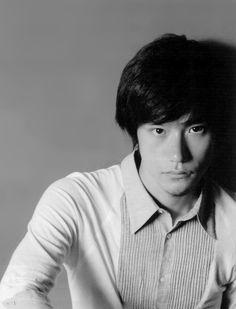Matsuyama Kenichi 松山ケンイチ Asian Men, Asian Guys, L Lawliet, Asian Actors, Dream Guy, Death Note, Japanese Culture, Good Looking Men, Pretty Boys