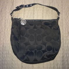 Black Coach purse Black medium sized Coach purse Bags Shoulder Bags