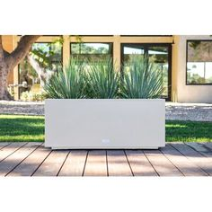 Veradek Metallic Series Long Galvanized Steel Planter Box Colour: White, Size: H x W x D Landscaping With Rocks, Modern Landscaping, Front Yard Landscaping, Landscaping Ideas, Modern Planting, Arizona Landscaping, Modern Backyard Design, Landscape Design, Garden Design