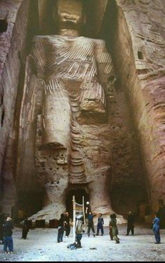 Bamian Buddha in pre   1992 Afghanistan  Now destroyed