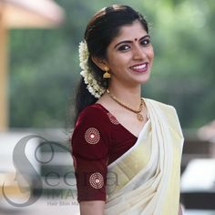 Best 12 Sophisticated boat neck blouses with saree Head over to the site to see more on :- – SkillOfKing. Kerala Saree Blouse Designs, Blouse Designs Silk, Designer Blouse Patterns, Bridal Blouse Designs, Set Saree, Saree Dress, Kasavu Saree, Hand Embroidery Dress, Stylish Blouse Design