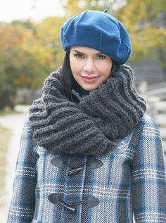 Bernat® Mobius Cowl #knit #pattern