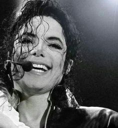 Read How he reacts when he sees you for the first time. from the story Michael Jackson Zodiacs✨ by hissuperflysister (Adriana) with reads. Michael Jackson Wallpaper, Michael Jackson Smile, Love Your Smile, King Of Music, The Jacksons, Beautiful Smile, First Time, Black And White, Apple Head