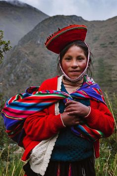 """The young daughter who has already mastered many weaving skills. The weavers of Patacancha, The Sacred Valley, Peru. Travel photography and guide by © Natasha Lequepeys for """"And Then I Met Yoko"""". Machu Picchu, Bolivia, Mexico Culture, Peru Culture, Ecuador, Peruvian People, Peru Travel, South America Travel, Yoko"""