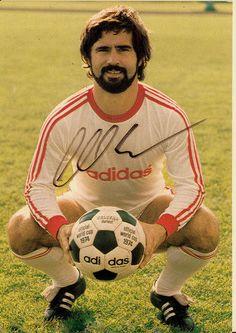 Gerd-Mueller-FC-Bayern-Muenchen-Autogramm-1976