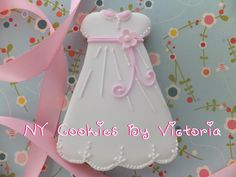 Baby Girl Christening Dress Cookie - 12 Cookies - Baptism Cookies by NYCookiesByVictoria on Etsy Christening Cookies, Baby Girl Christening, Baby Girl Cookies, Baby Shower Cookies, Butter Sugar Cookies, Cookie Designs, Cookie Ideas, Baby Girl White Dress, Cookie Crush