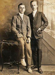 Vintage Couples, Cute Gay Couples, Couples In Love, Look Vintage, Vintage Men, Vintage Photos, Vintage Photographs, Edwardian Era, Edwardian Fashion