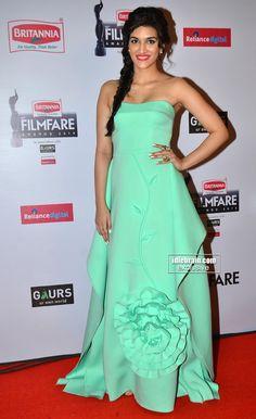 Kriti Sanon at The 60th Britannia Filmfare 2014 Awards