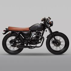 Retro Motorcycles: We've listed some of the best looking retro motorbikes. Learner legal 125 and retro, beginner motorcycles. Small Motorcycles, Vintage Motorcycles, Custom Motorcycles, Custom Bikes, Tracker Motorcycle, Retro Motorcycle, Cafe Racer Motorcycle, Cafe Bike, Cafe Racer Bikes