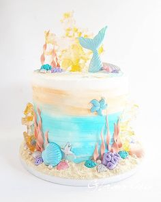 236 vind-ik-leuks, 17 reacties - Glorious Cakes (@gloriouscakesbris) op Instagram: 'Demo this Saturday! Join me at @cakesaround at 1pm, in-store or via Facebook live, and learn how to…'