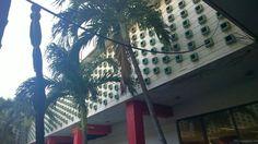 Edificio FOCSA - das höchste Gebäude Kubas, hier der Innenhof: großartige 50er Jahre-Architektur (1956) #Havanna #Kuba