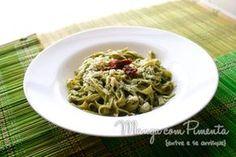 Talharim ao Molho Pesto de Manjericão {Vegetariana}, para ver a receita clique na imagem para ir ao Manga com Pimenta.