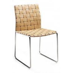 Designstoel - Bond - Gevlochten leder beige - Dan-Form De designstoel Bond van Dan-Form krijgt een stoere look en feel door het gevlochten leder. De stoel is afgewerkt met een roestvrij stalen onderstel. De Bond stoel is verkrijgbaar in 3 kleuren leder. Zwart, beige en oranje.