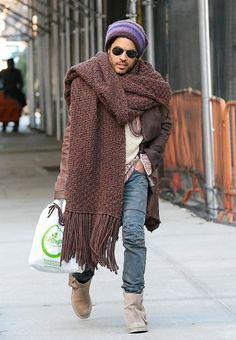 Remember the time that #LennyKravitz wore a #scarf so big that it was basically a #blanket and he looked ridiculous?