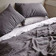 Easter give-away: beautiful linen bedding in charcoal
