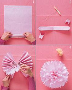 rozety pompony wesele dekoracje Zrobienie bibiułkowego pomponu jest niezwykle proste. Cienką bibułę składamy w harmonijkę (gęstość pompona zależy od ilości warstw bibuły) o szerokości 2-3cm. Środek przeszywamy lub związujemy, do środka doczepiamy sznureczek/żyłkę, wstążkę, na której pompon będzie wisiał. Końcówki harmonijki obcinamy na półokrągło, w szpic lub zostawiamy - w zależności od pożądanego efektu. Rozdzielamy warstwy bibuły, delikatnie stroszymy, formując kulę. Gotowe!