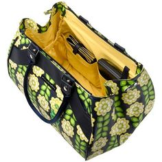 Heres a glance at the inside of this delightful bag too!