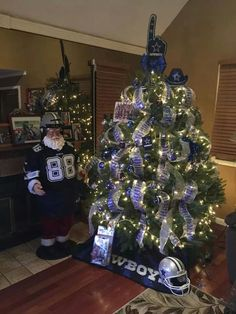 Dallas Cowboys Christmas tree. Nice