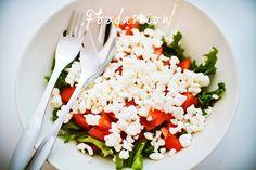 Tomaattinen lisukesalaatti by Foodassion, via Flickr