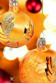 Christmas Is Coming Orange Christmas Tree, Magical Christmas, Christmas Is Coming, A Christmas Story, Christmas Wishes, Christmas Colors, Rustic Christmas, Beautiful Christmas, Christmas Themes