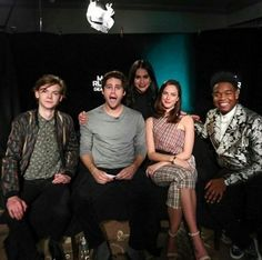 Hahaha Thomas looks so done with all of them Maze Runner Funny, Maze Runner The Scorch, Maze Runner Thomas, Maze Runner Cast, Maze Runner Movie, Maze Runner Series, Dylan O'brien, The Scorch Trials, Cute Actors