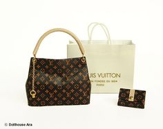 IDEA?  Dollhouse Miniatures L9 LV Designer Handbags with por DollhouseAra, $46.00