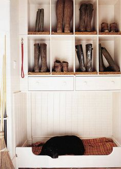 Mudroom Inspiration - Home Stories A to Z-cubbies for boot storage, space for dog bed underneath or cat litter box Home Design, Design Design, Modern Design, Design Ideas, Built In Dog Bed, Home Interior, Interior Design, Boot Storage, Decoration Entree