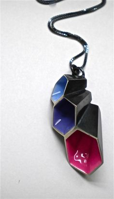 Contemporary handmade jewellery by Alexandra Tosto, in gold, diamonds and sterling silver, with a strong geometric style. Unique Necklaces, Jewelry Necklaces, Bracelets, Enamel Jewelry, Jewelry Art, Enamels, Contemporary Jewellery, Chain Pendants, Metals