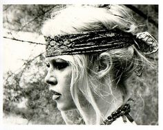bridget bardot boho, Make sure you get your head bands girls. this look is major. Mode Hippie, Hippie Man, Hippie Love, Hippie Style, Hippie Chick, Gypsy Style, Bohemian Style, Haute Hippie, Brigitte Bardot