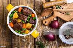 Stock Photo : Traditional British Dishes. Beef and vegetable stew Beef Stew Crockpot Easy, Beef Soup Recipes, Beef Recipes For Dinner, Healthy Crockpot Recipes, Cooker Recipes, Easy Recipes, Herb Recipes, Crockpot Dishes, Drink Recipes