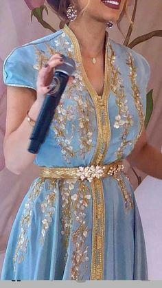 Shrink your URLs and get paid! Morrocan Dress, Moroccan Caftan, Arab Fashion, Muslim Fashion, Womens Fashion, Oriental Dress, Oriental Fashion, Caftan Dress, Hijab Dress