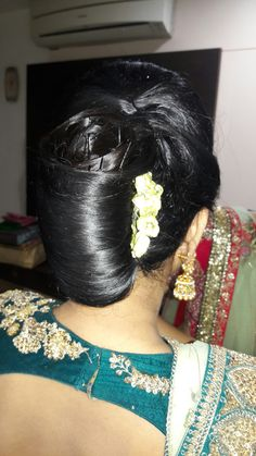 French Twist Updo, Bridal Hair Buns, Indian Wedding Hairstyles, Long Dark Hair, Bun Hairstyles, Long Hair Styles, Beauty, Fashion, Woman Face