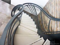 Création jean-luc Chevallier pour lastylique.com Design Art Nouveau, Design Creation, Escalier Design, Sculpture, Zig Zag, Stairs, Scale, Home Decor, Modern Interior