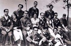 Teatros nacionales. La Segunda República y el teatro clásico español, por David Rodríguez-Solás (Lorca con algunos de los actores de La Barraca)
