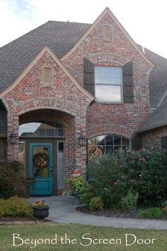 Exterior paint color ideas with red brick 23 Teal Front Doors, Teal Door, Turquoise Door, Painted Front Doors, Front Door Colors, House Paint Exterior, Exterior Paint Colors, Exterior Doors, Painting Shutters