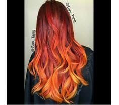 Rude ombre to jeden z najgorętszych trendów w koloryzacji włosów tego roku. Zobaczcie, jak miks ognistych odcieni prezentuje się na włosach.