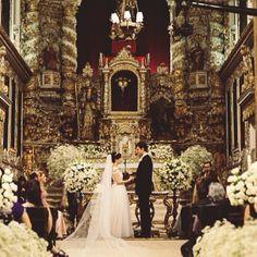 Mais uma foto maravilhosa de Camila Coutinho,  em seu grande dia. Felicidades hoje e sempre para este casal! #bibiana #casamento #noivas