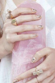 She's the daughter of ravens Cosmic Nails, Goddess Provisions, Gala Darling, Golden Ring, Pink Moon, Boho Life, Romantic Roses, Crystals Minerals, Rose Quartz