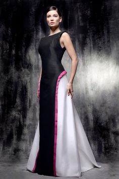 Talk about a dream dress!!!  Reinaldo Alvarez 2016 Collection
