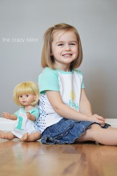Make matching shirts for your girl and dolly with a FREE doll t-shirt pattern