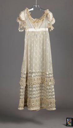 Woman's Dress - - Woman's Dress, England, circa 1815 Regency Gown, Historical Women, 19th Century Fashion, White Gowns, Empire Style, Marceline, Fashion Plates, Vintage Fashion, Women's Fashion