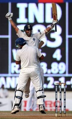 Real tribute to this day back to year 2008 one of a classical innings by master helped India to chase 384 runs against England . Highest run chase in Indian subcontinent. Moreover known for real tribute to victims of Mumbai attacks. Yuvraj Singh, India Cricket Team, Cricket Wallpapers, Daughter Love Quotes, Sachin Tendulkar, All Team, Virat Kohli, Funny Games, Chennai