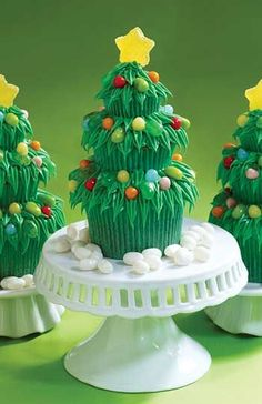 Trim the Tree Cupcakes by Karen Tack & Alan Richardson. Create a Christmas forest with these cute cupcake trees. #cupcakes #christmas #jellybelly Credit: whatsnewcupcake (Karen Tack and Alan Richardson, authors of Hello, Cupcake!)