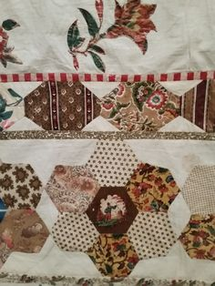 This was my favourite quilt in the exhibition. It is an unfinished quilt top made by Elizabeth Hardy in England before she came to Austr...