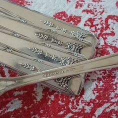 7 Dinner Fork Community Plate Milady, Oneida Silver, Set of Vintage Silverplate Forks, Oneida Silver, Bubble Paper, Oneida Community, Silver Swan, Dinner Fork, Color Scale, Forks, Vintage Silver, 1940s