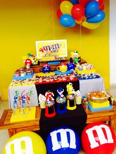 So colorful, so happy!!! Loved the final result! M&M Party!!!