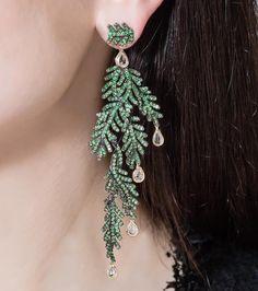 Diamond gold emerald earrings