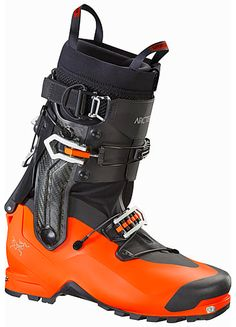 Arc'TeryxProcline Carbon Support Boot The first ski alpinism boot with revolutionary 360° rotating cuff for unmatched climbing and ski performance.